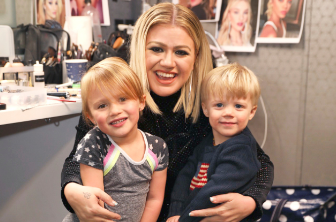 Kelly Clarkson and Children