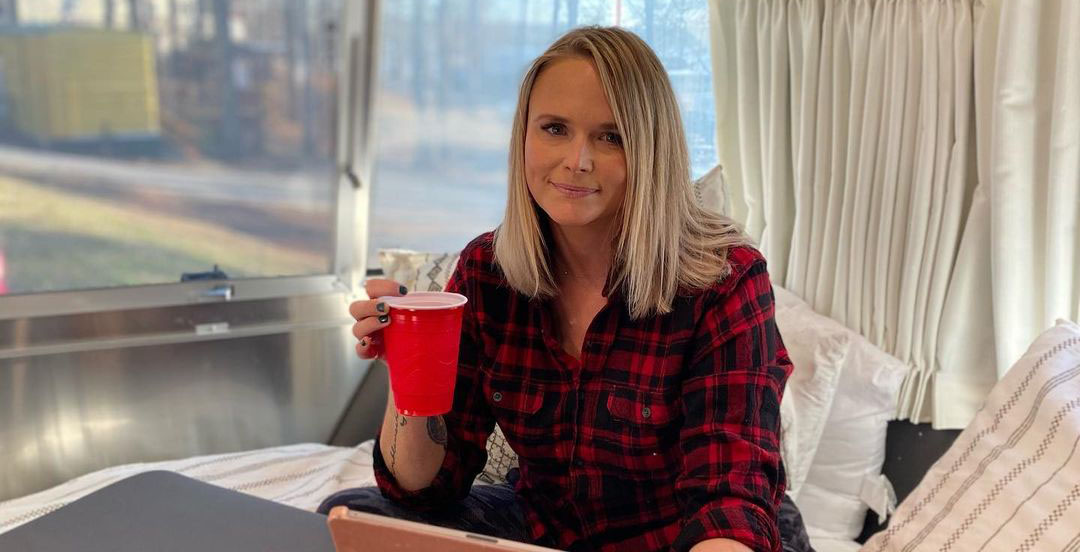 What Does Miranda Lambert's Home Smell Like feature
